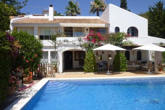 Villa with Sea Views, 4 Beds, 4 Baths, Pool Garage