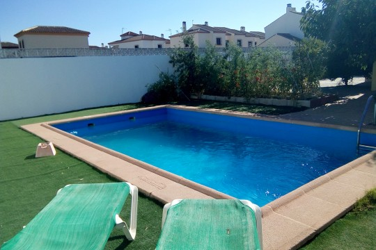 Bungalow, Pool close to Arriate