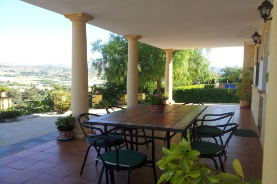 Long Term Rental – Country House, Pool & Panoramic Views