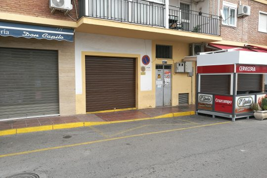 Commercial Property – Garage – Central Location