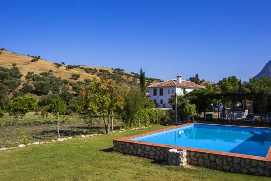 Renovated Cortijo 420m2, Pool, Natural Park
