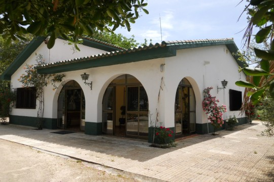 Long Term Rental, Country House, Pool, Mature Gardens