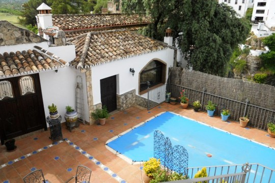 Townhouse, Pool, Terrace, Gardens & Garage, Spectacular Views