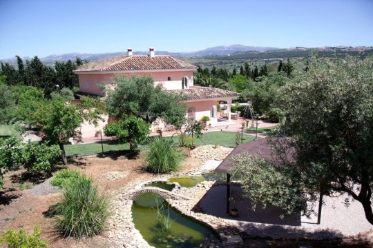 Country Villa, Guest House, Pool, Gardens