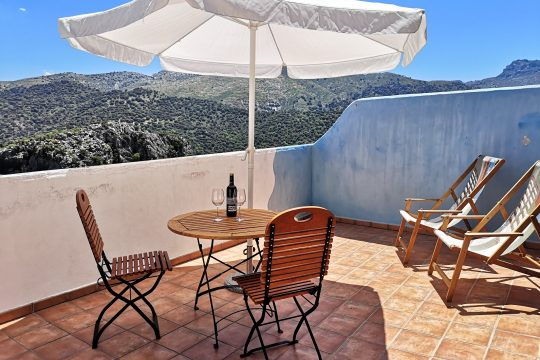 Renovated Townhouse/Duplex, 2 Beds, Terrace, Ecxelent Views