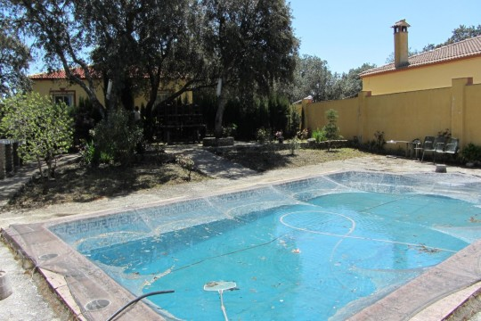 Long Term Rental – Country House, Pool, 4 Beds, Outbuilding.