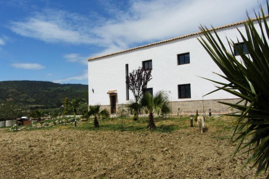 Open-Plan Country House, 2 Beds, Garage, Views