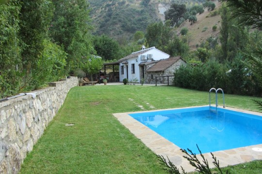 Country House, Pool, Orchard, Veg 2.150m2 Land