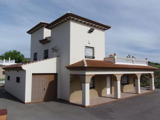 Chalet, Garage, 4 Beds, Pool, Spa, Plot 8000m2